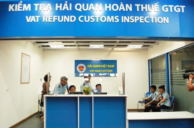 Hoàn thuế giá trị gia tăng tại sân bay Nội Bài 6 tháng cuối năm 2012
