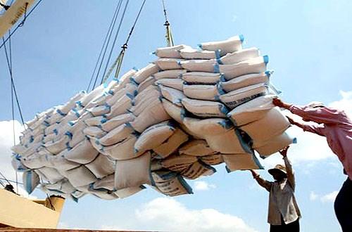 Thủ tục hải quan đối với hàng hóa có xuất xứ từ Lào nhập khẩu theo hạn ngạch thuế quan năm 2013