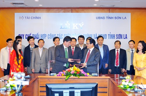 Bộ Tài chính và UBND tỉnh Sơn La ký Quy chế phối hợp công tác