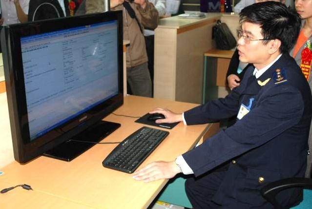 Hải quan Hà Nội: Tìm nhiều giải pháp gỡ khó thu ngân sách