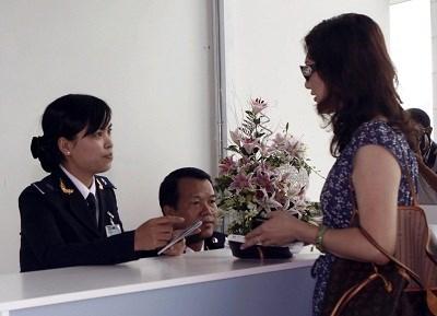 Hoàn thuế giá trị gia tăng  cho khách nước ngoài: Tạo thêm