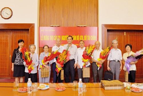 Lễ mừng thọ các cựu cán bộ ATK Bộ Tài chính