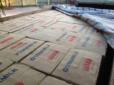 Hải quan Hà Tĩnh bắt giữ 150 thùng sữa ông thọ vào nội địa