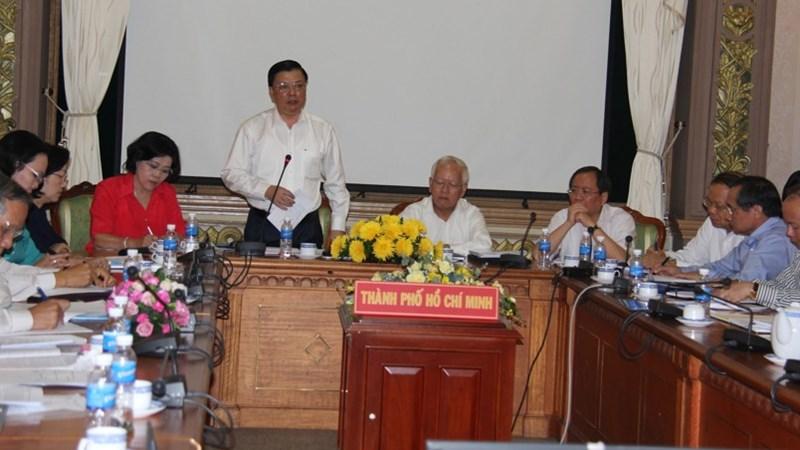 Bộ trưởng Đinh Tiến Dũng làm việc với lãnh đạo TP. Hồ Chí Minh