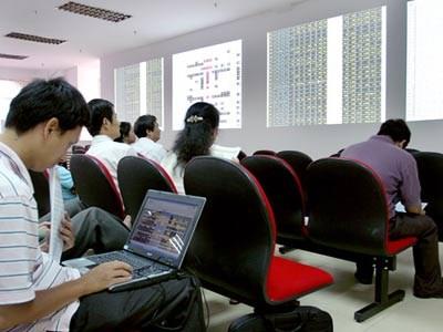Các văn bản về phát triển thị trường chứng khoán đã ban hành trong năm 2013