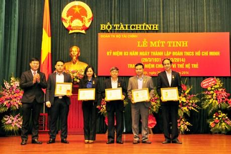 Đoàn Thanh niên Bộ Tài chính: Tổ chức lễ Mít tinh kỷ niệm 83 năm thành lập Đoàn Thanh niên Cộng sản Hồ Chí Minh