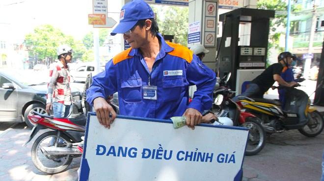 Rút ngắn thời gian tính giá cơ sở xăng dầu
