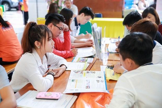Nghiên cứu về hiệu lực của chính sách tín dụng đối với sinh viên Việt nam
