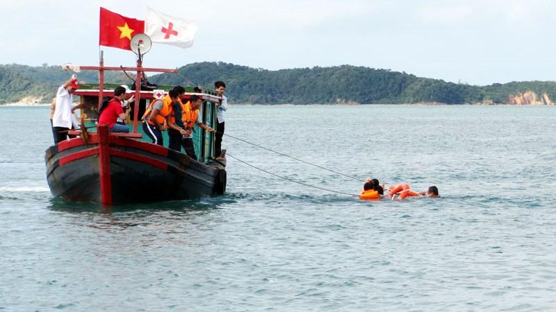 Chế độ đối với người tham gia ứng phó sự cố, thiên tai, tìm kiếm cứu nạn