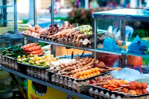 Phạt đến 3 triệu đồng nếu vi phạm quy định an toàn thực phẩm trong kinh doanh thức ăn đường phố