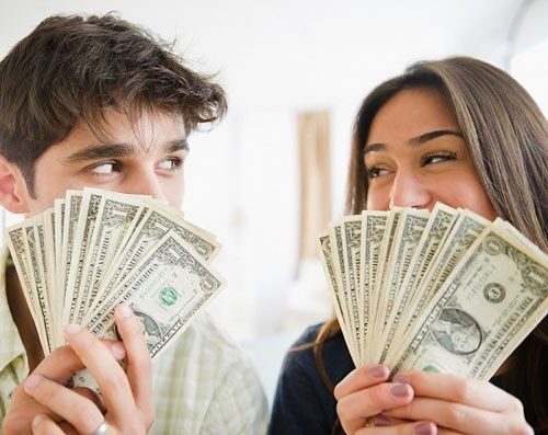 Phụ nữ quản lý tiền tốt hơn đàn ông