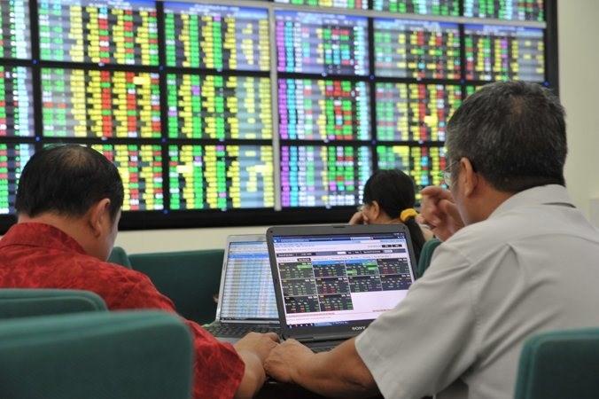 Ảnh hưởng của ý kiến kiểm toán đến giá cổ phiếu các công ty niêm yết tại HOSE