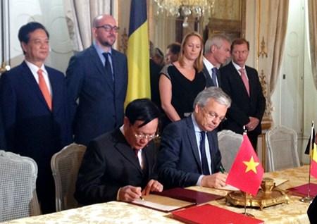 Ký kết Hiệp định tín dụng Nhà nước trị giá 14,713 triệu EUR