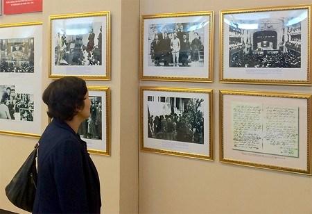 Trưng bày 200 ảnh, hiện vật về chặng đường 85 năm thành lập Đảng