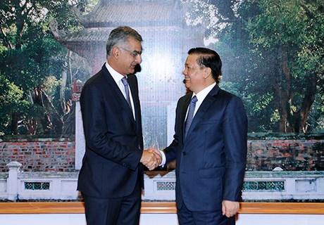 Bộ trưởng Đinh Tiến Dũng tiếp Tổng giám đốc Ngân hàng SCB
