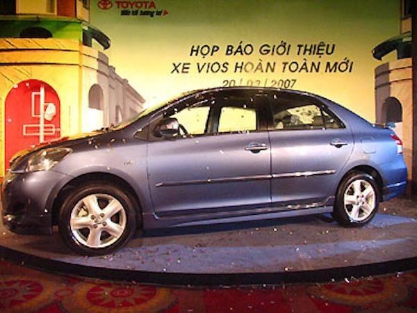 Toyota triệu hồi gần 4.000 xe Corolla và Vios tại Việt Nam từ 1/9/2015