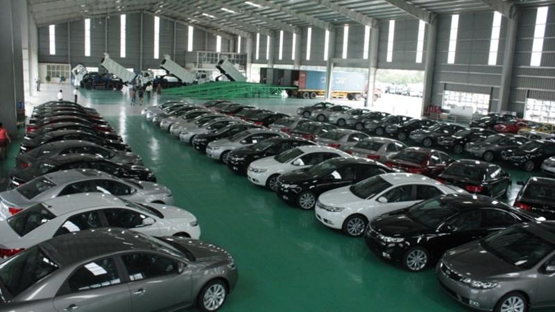 Thaco chi gần 300 triệu USD nhập 11.000 xe ô tô trong năm 2015