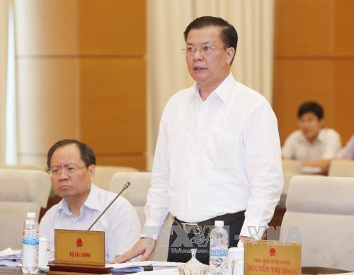 Ủy ban Thường vụ Quốc hội cho ý kiến Luật Thuế xuất khẩu, thuế nhập khẩu (sửa đổi)