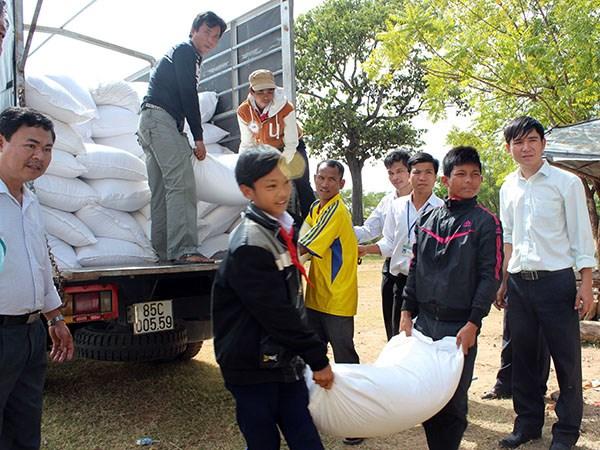 Tiếp tục hỗ trợ gạo cho 6 tỉnh trong dịp Tết nguyên đán 2016