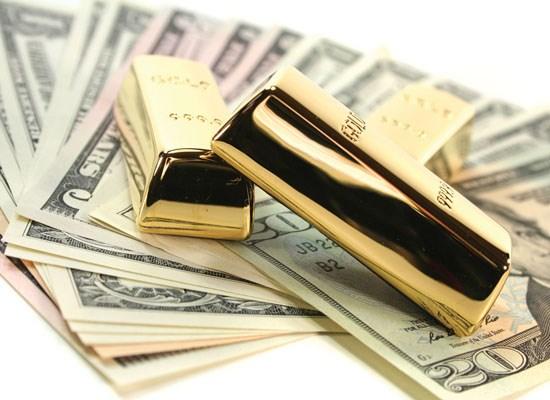 Giá vàng thế giới tiếp tục leo thang