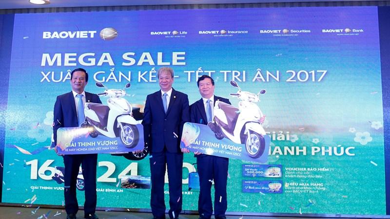 Bảo Việt trao 70 giải thưởng tri ân dịp kỷ niệm ngày thành lập