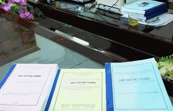 Đánh giá hồ sơ dự thầu thực hiện theo quy định nào?
