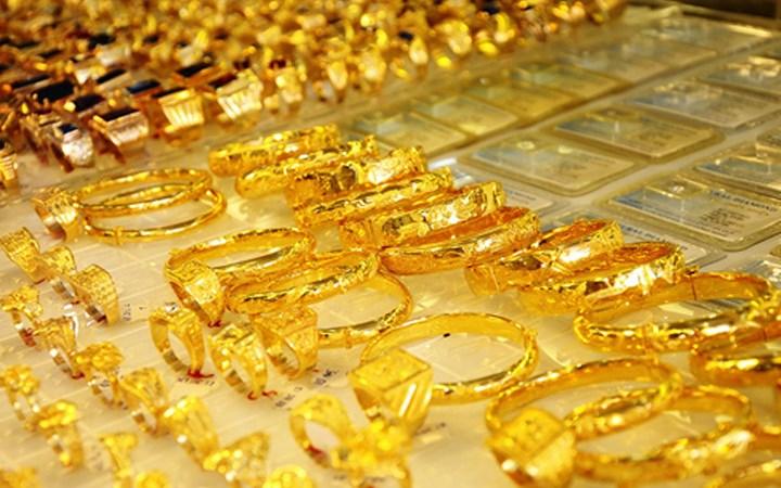 Vàng trong nước tụt dốc phiên đầu tuần
