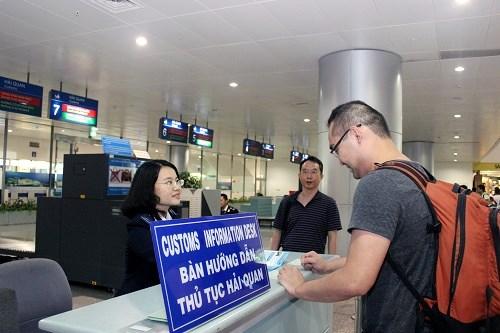 Gia hạn miễn thị thực cho công dân 5 nước