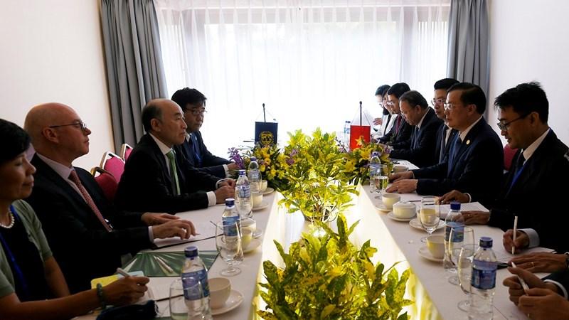 Bộ trưởng Bộ Tài chính Đinh Tiến Dũng tiếp Phó Tổng Giám đốc điều hành IMF