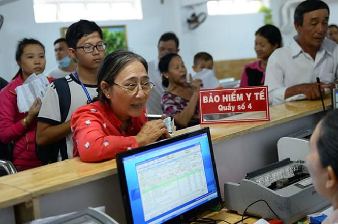 Đang hưởng trợ cấp thất nghiệp, mua BHYT thế nào?
