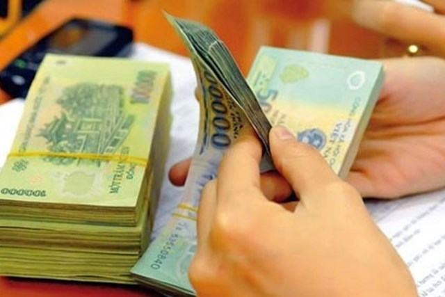 Công chức tập sự có được chi trả thu nhập tăng thêm?