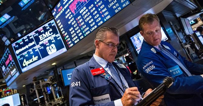 """Lo ngại chiến tranh thương mại lơ lửng, nhưng chứng khoán Mỹ vẫn """"xanh"""""""