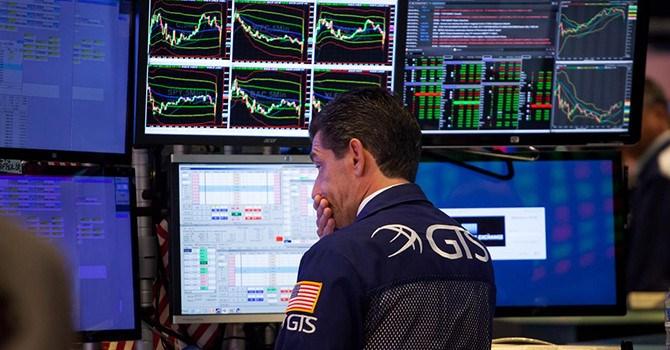 Chứng khoán Mỹ lại đỏ lửa do lo ngại xung đột thương mại