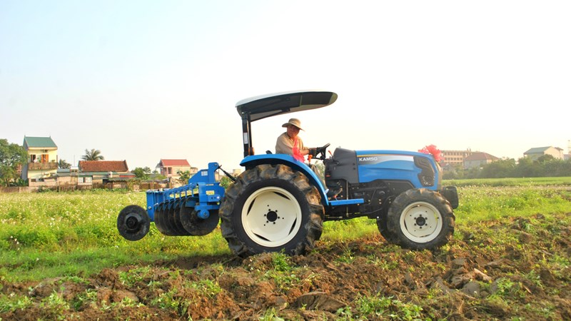 THACO sản xuất máy kéo phục vụ sản xuất nông nghiệp