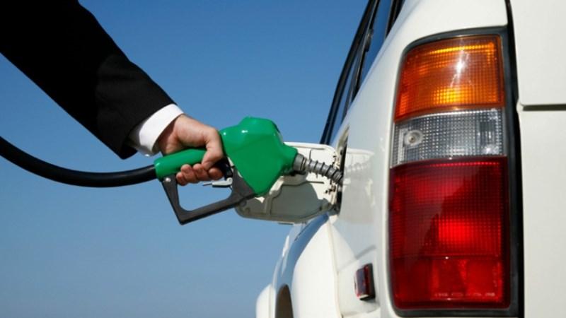 Có được ký hợp đồng bán lẻ xăng dầu với nhiều đơn vị?