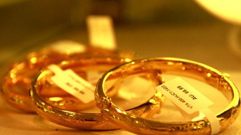 Giá vàng trong nước sụt giảm