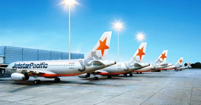 Hàng không tiếp tục tăng phí dịch vụ