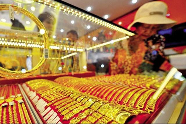 Giá vàng trong nước sáng nay rung lắc