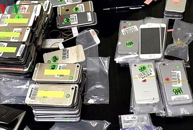 Quảng Ninh: Bắt giữ lô hàng điện thoại, máy tính bảng trị giá hàng tỷ đồng