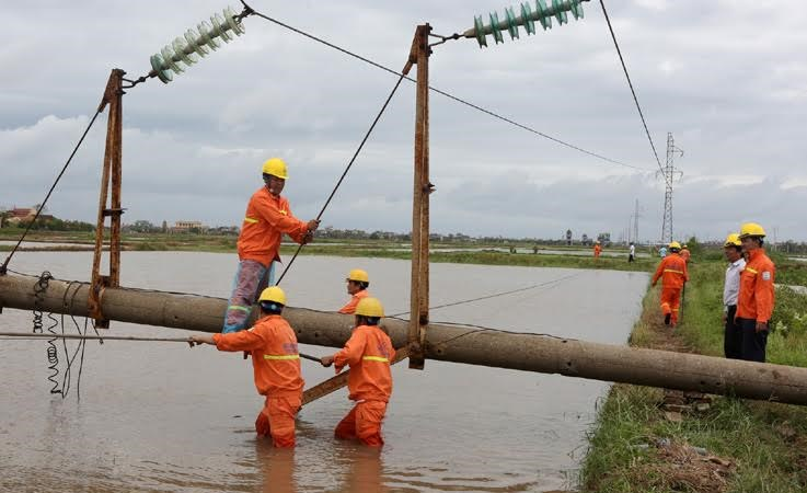 EVNNPC: Thời gian tiếp nhận, cấp điện giảm 1,34 ngày so với quy định