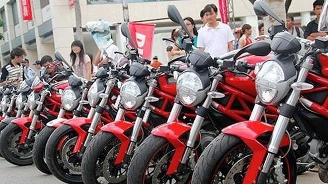 Bãi bỏ quy định cấp phép nhập khẩu với xe gắn máy từ 175cm3 trở lên
