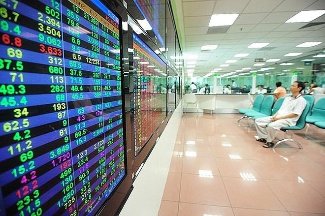 Thúc đẩy thị trường chứng khoán tiếp tục trở thành kênh huy động vốn tích cực cho nền kinh tế (*)