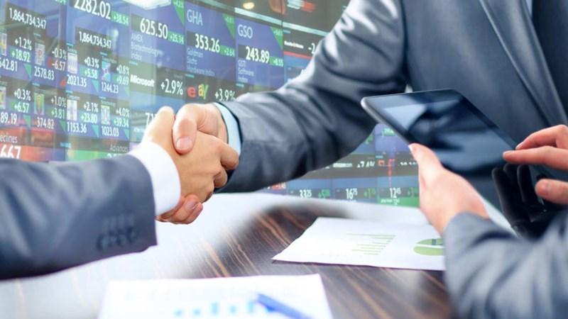 Bất chấp thị trường sụt giảm, doanh nghiệp bán hết 100% khối lượng cổ phần chào bán