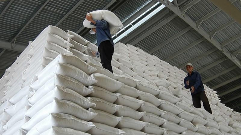 Doanh nghiệp từ chối ký hợp đồng, sẽ tổ chức đấu thầu lại gạo dự trữ quốc gia