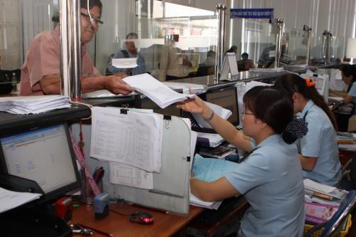 Làm thủ tục thông quan cho gần 1 triệu tờ khai xuất nhập khẩu hàng hóa