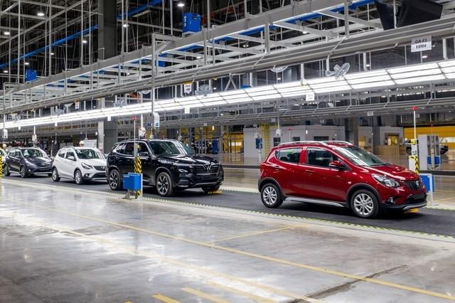 Bộ Tài chính xin ý kiến về giảm mức thu lệ phí trước bạ đối với ô tô sản xuất, lắp ráp trong nước