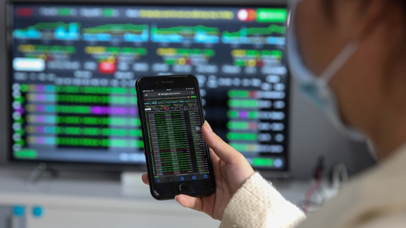Thị trường chứng khoán có phiên tăng điểm quan trọng