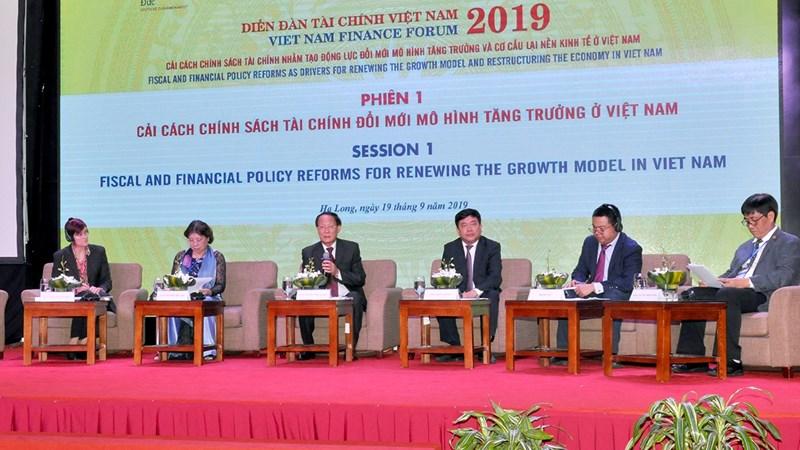 Tạo động lực tăng trưởng kinh tế Việt Nam từ cải cách chính sách tài chính