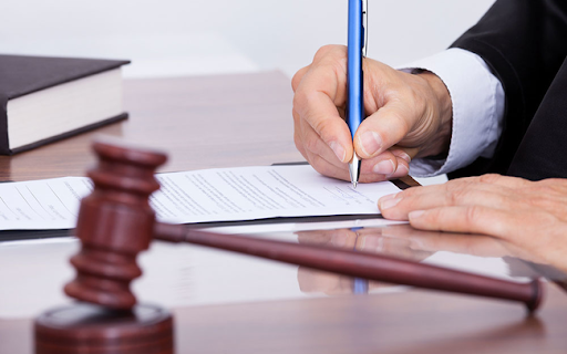 Thêm một số nhà đầu tư chứng khoán bị xử phạt hành chính