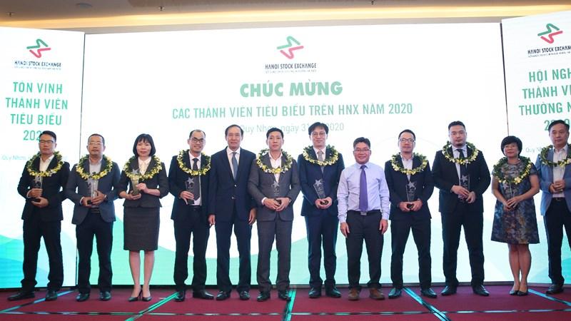 HNX vinh danh các công ty chứng khoán tiêu biểu năm 2019-2020